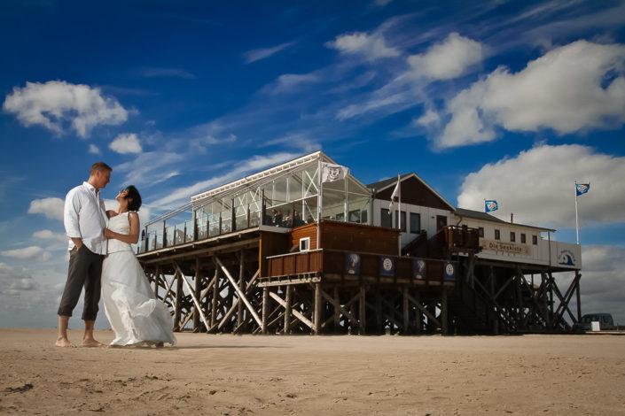 Brautpaar in Sankt Peter Ording an der Nordsee