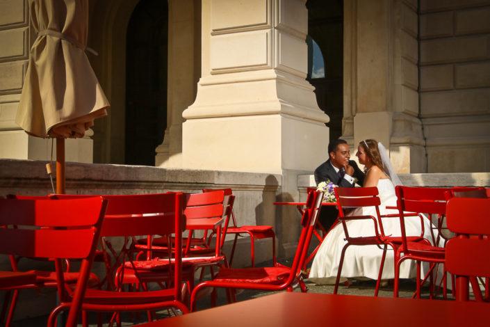 Brautpaar an der Alten Oper in Frankfurt