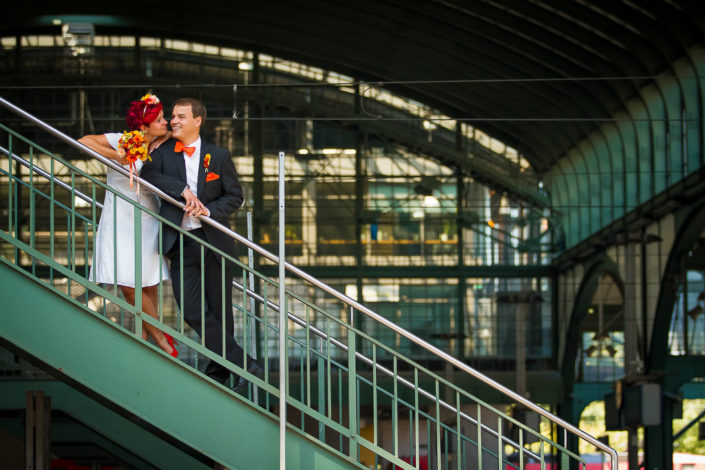 Paarbild im Bahnhof von Darmstadt