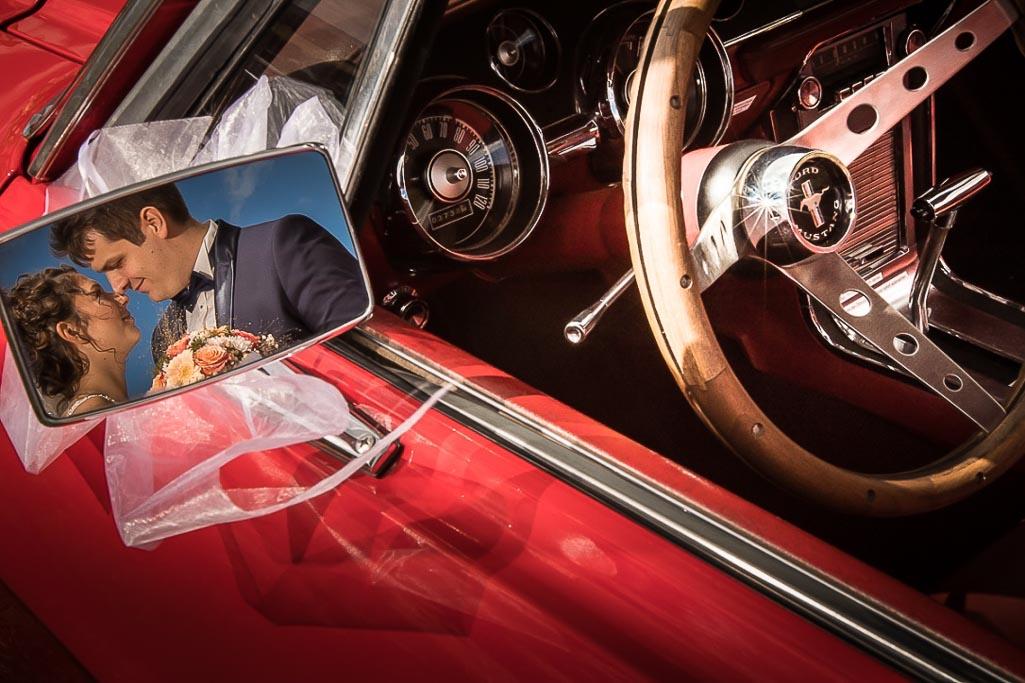 Spiegelung am Ford Mustang